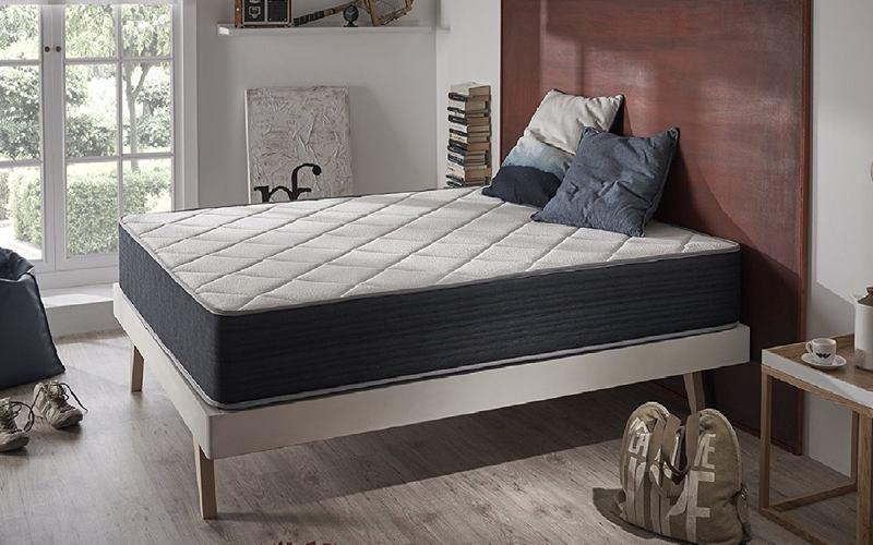 avis sur le matelas m moire de forme supervisco. Black Bedroom Furniture Sets. Home Design Ideas