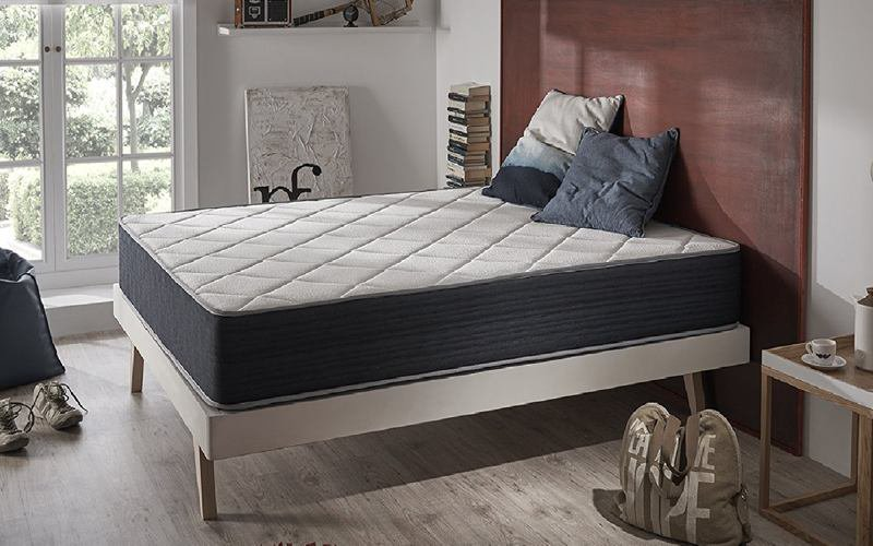 comment choisir son matelas memoire de forme elegant matelas mmoire de forme andr renault bulle. Black Bedroom Furniture Sets. Home Design Ideas